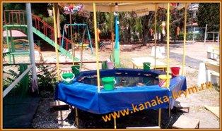 Оборудование детской площадки.